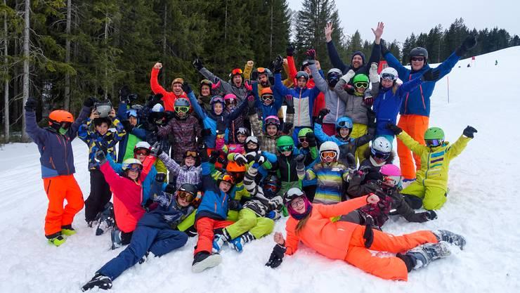 Die 3.-6. Klässler aus Hauenstein-Ifenthal/Wisen nach dem Skirennen