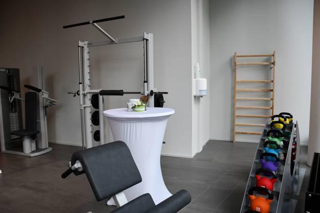 Im Campus Brugg-Windisch hat die aarReha am Donnerstag, 5. September, das Ambulatorium eingeweiht. Es bietet Physiotherapie, ärztliche Sprechstunden, Training, Massagen und Kurse.