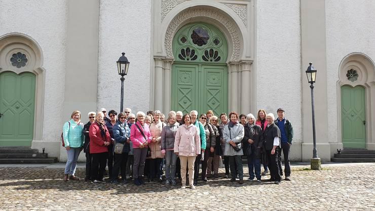 Eine stattliche Zahl Interessierter nahm an der vom Frauenbund organisierten Führung in Endingen / Lengnau teil.
