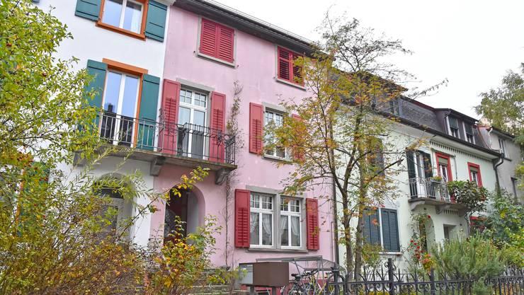 Oktobertag am Geissfluhweg: Seit 129 Jahren stehen die einstigen Zentralbahn-Bürogebäude an diesem Ort.