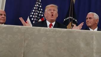 US-Präsident Donald Trump verstärkte während seinen Ferien in seinem eigenen Golfclub in New Jersey die Drohungen an die Adresse des nordkoreanischen Machthabers Kim Jong Un.