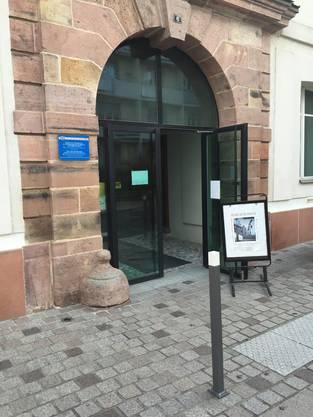 Blick auf den Eingang des kleinen Historischen Museums in Huningue