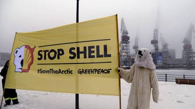 Greenpeace-Aktivisten protestieren gegen Shell in Helsinki (Archiv)