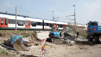 Wartehäuschen beim Bahnhof Bellach wird abgebaut