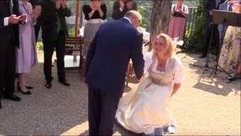 Karin Kneissl lud Putin zu ihrer Hochzeit ein. Und der tanzte mit.