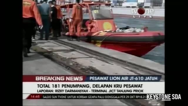 Leichenteile nach Absturz von Passagiermaschine gefunden