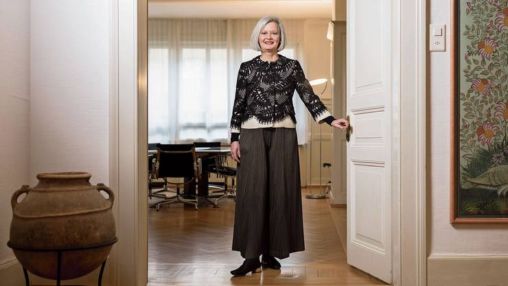 «Männer kommen früher zur Sache beim Geld.» Doris Aebi in ihrem Headhunter-Büro in Zürich, wo sie Top-Manager rekrutiert.