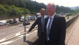 Zürcher Regierungsrat Ernst Stocker und der Aargauer Regierungsrat Stephan Attinger heute beim Gubrist-Tunnel