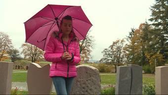 Tibbi Bracher wollte am vergangenen Wochenende noch einmal zu ihrer Mutter ans Grab, bevor es heute geräumt werden sollte. Als sie aber in Egerkingen auf den Friedhof ging, konnte sie kaum fassen, dass das Grab bereits weg war.