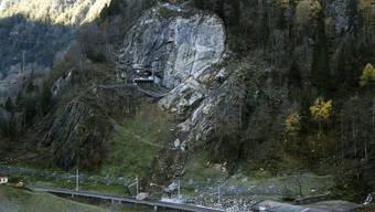 Erneuter Felssturz bei Gurtnellen legt Gotthard-Bahnlinie lahm
