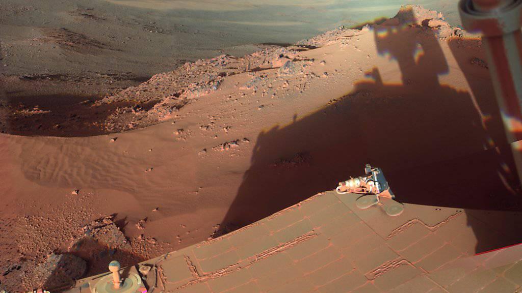 Muss seine Entdeckungsfahrten auf dem Mars vorerst pausieren: das Erkundungsfahrzeug «Opportunity». (Archivbild)