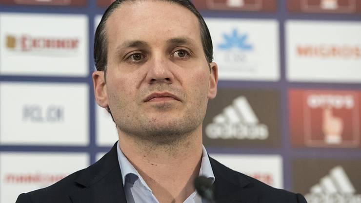 Luzerns Sportchef Remo Meyer äussert seine Unzufriedenheit