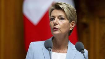 Ohne EU-Äquivalenz müssten hiesige Unternehmen mit erheblichen Nachteilen rechnen, warnt Justizministerin Karin Keller-Sutter.