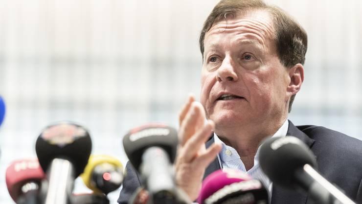 GC-Präsident Stephan Rietiker spricht an einer Medienkonferenz zum gestrigen Abbruch des Fussballspiels gegen den FC Luzern und den Abstieg in die Challenge League.