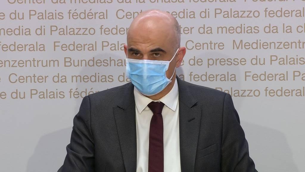 Kein Ausgang aber Homeparties: Bundesrat lockert Regeln für private Treffen