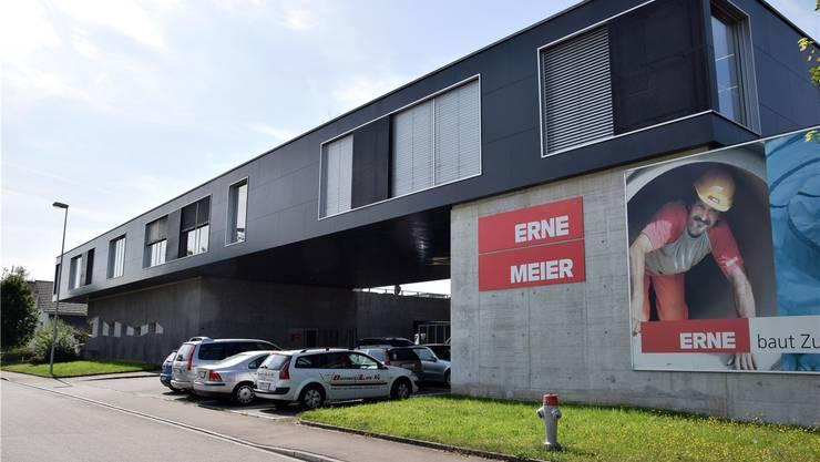 Die in den Bereichen Hoch- und Tiefbau tätige Bauunternehmung Erne AG plant den Ausbau des Standorts an der Langgass.