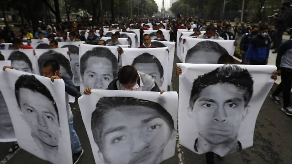 Haftbefehle gegen Soldaten wegen verschleppter Studenten