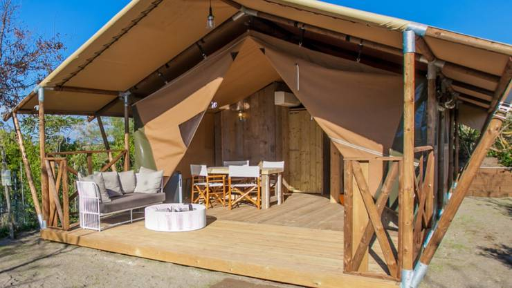 Der TCS lockt unter anderem mit Safarizelten Gäste auf seine Campingplätze.