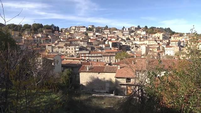 Dieses Dorf verkauft seine Häuser für 1 Euro