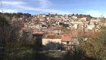 Im italienischen Dorf Ollolai kann man Häuser für einen Euro kaufen. Dieses Angebot hat aber einen Haken.