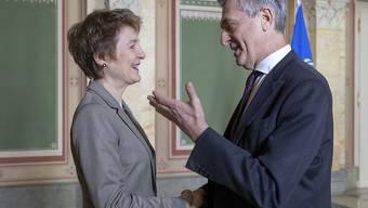 Justizministerin Simonetta Sommaruga hat am Donnerstag in Bern Filippo Grandi getroffen, den Uno-Hochkommissar für Flüchtlinge.