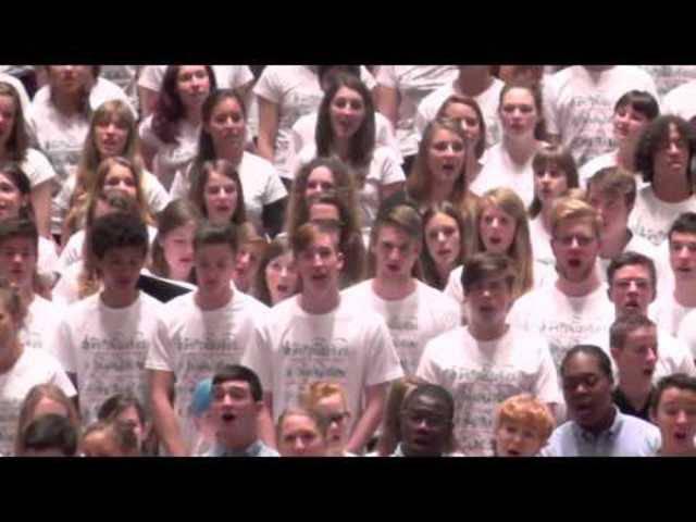 Sechs Chöre singen gemeinsam «Music is Everywhere» am Europäischen Jugendchorfestival Basel 2014