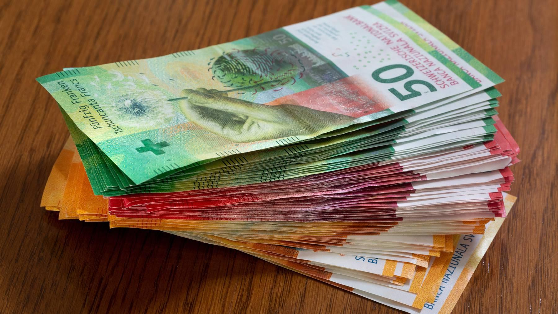 Die Löhne sind bei Gesamtarbeitsverträgen 2020 gestiegen. (Symbolbild)