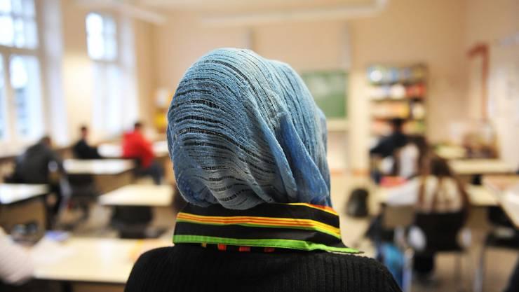 Die Jugendlichen in der Schweiz sympathisieren kaum mit dem radikalen Islam.
