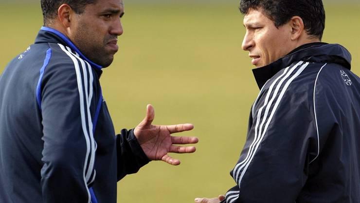 Ailton unterhält sich mit dem damaligen GC-Trainer Krassimir Balakov.