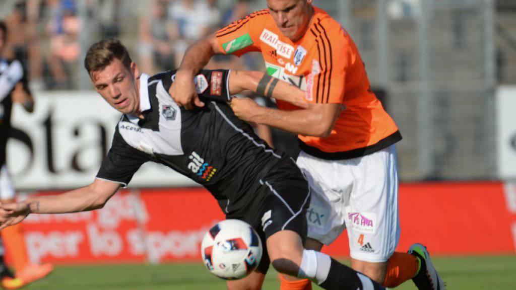 Umkämpft: Luganos Lorenzo Rosseti (links) duelliert sich mit Jérémy Manière