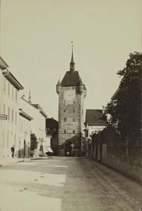 Blick auf den Badener Stadtturm um ca. 1875. Von Norden herkommend.