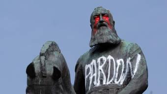 Auch in Belgiens Hauptstadt Brüssel wird gegen Leopolds Statuen protestiert.