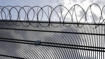 Das Bundesamt für Justiz hat zusammen mit den Kantonen die Vollzugspraxis analysiert und Anpassungen des Strafrechts vorgeschlagen. (Symbolbild)