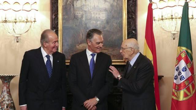 Juan Carlos, Cavaco Silva und Napolitano (von links, Archivbild)