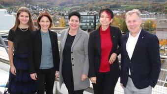 Sie stehen für Daniela Schneeberger (Mitte) ein: (v.l.) Naomi Reichlin, Saskia Schenker, Sandra Sollberger und Felix Keller.