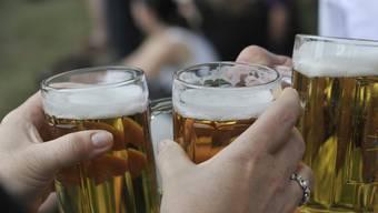 Bier bechern, ohne am nächsten Tag unter Übelkeit und Kopfschmerzen zu leiden, davon träumt wohl so mancher.