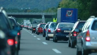 Stau soll verhindert werden: Um die Verkehrsbehinderungen so gering wie möglich zu halten, werden die Arbeiten nachts ausgeführt.