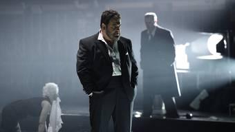 So düster und abgründig wie im Film noir: Rita Ahonen als Emilia, Kristian Benedikt als Otello und Simon Neal als Jago.