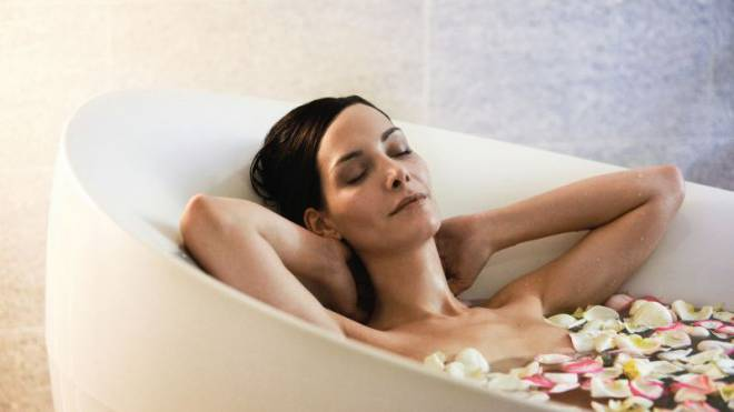 Nach dem Body-Check und der Bauch-Attack-Stunde darfs auch mal ein entspannendes Bad sein. Foto: Diglas