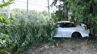 BMW erlitt Totalschaden – 24-jähriger Automobilist kam von der Fahrbahn ab