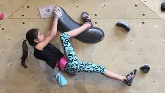 Lela verbringt mehr als zehn Stunden pro Woche in der Kletterhalle.