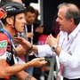 Giro-Direktor Mauro Vegni unterhält sich mit dem Schweizer Profi Kilian Frankiny