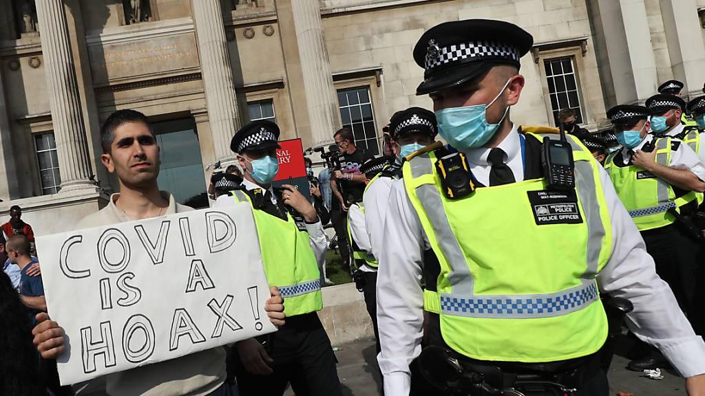 Geldstrafen für Verstösse gegen Quarantäne-Pflicht in England