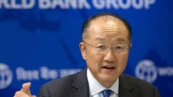 Jim Yong Kim, US-Amerikaner mit südkoreanischen Wurzeln, wird auch die nächsten fünf Jahre der Weltbank vorstehen. (Archiv)