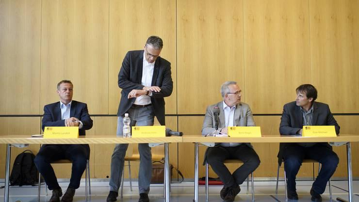 Von links: Martin Landolt, Präsident BDP Schweiz, BDP-Regierungsratskandidat Andreas Felix sowie die Grossräte Beno Niggli und Gian Michael.