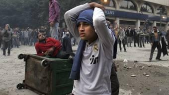 In Kairo liefern sich die Demonstranten Auseinandersetzungen mit den Sicherheitskräften
