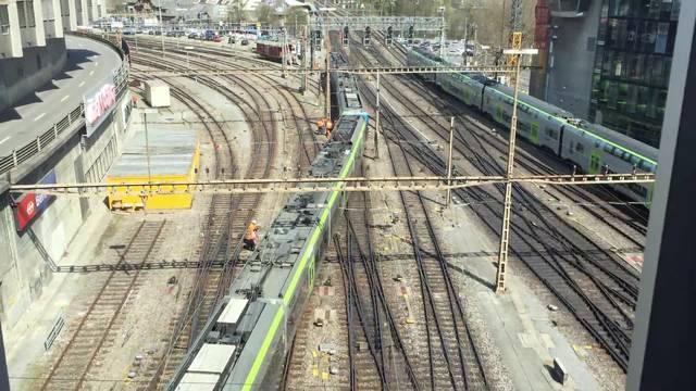BLS-Zug bei Ausfahrt aus Bahnhof Bern entgleist