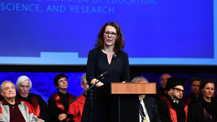 """Österreichs Wissenschaftsministerin Iris Rauskala begründete die Ablehnung des Euratom-Programms ihres Landes damit, dass """"man versucht, CO2-Reduktionen beziehungsweise die Energiewende in Europa durch vermehrten Einsatz von Atomenergie herbeizuführen."""" (Archivbild)"""