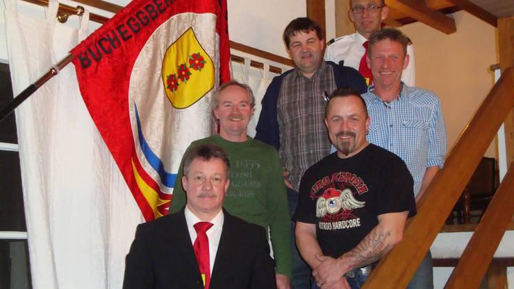 Die anwesenden Jubilaren Adrian Zimmermann, Daniel Rüfenacht, Hans Baumgartner, Kurt Affolter und Thomas Ziegler sowie Verbandspräsident Bruno Graber (von hinten nach vorne).