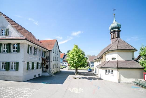 Das Dorfzentrum von Freienwil.